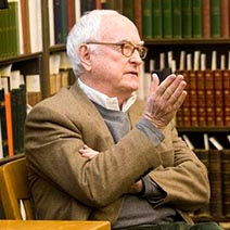 Photo of UO Alum James Ivory speaking in a class
